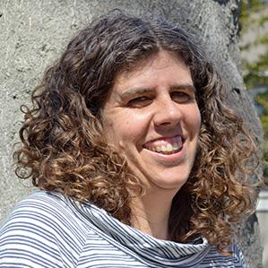 Arusha Hollister